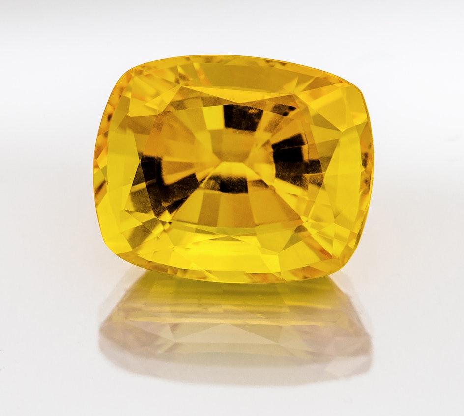 L206 007 Yellow Sapp 8 9x7 3 Cush 3 17 ISZ